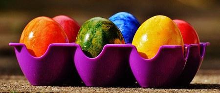 Opération vente oeufs de Pâques pour une oeuvre philanthropique